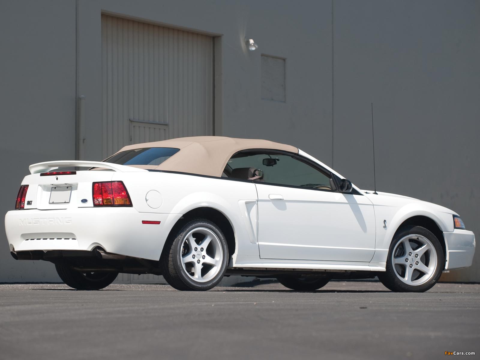 Photos of Mustang SVT Cobra Convertible 1999–2002 (1600 x 1200)
