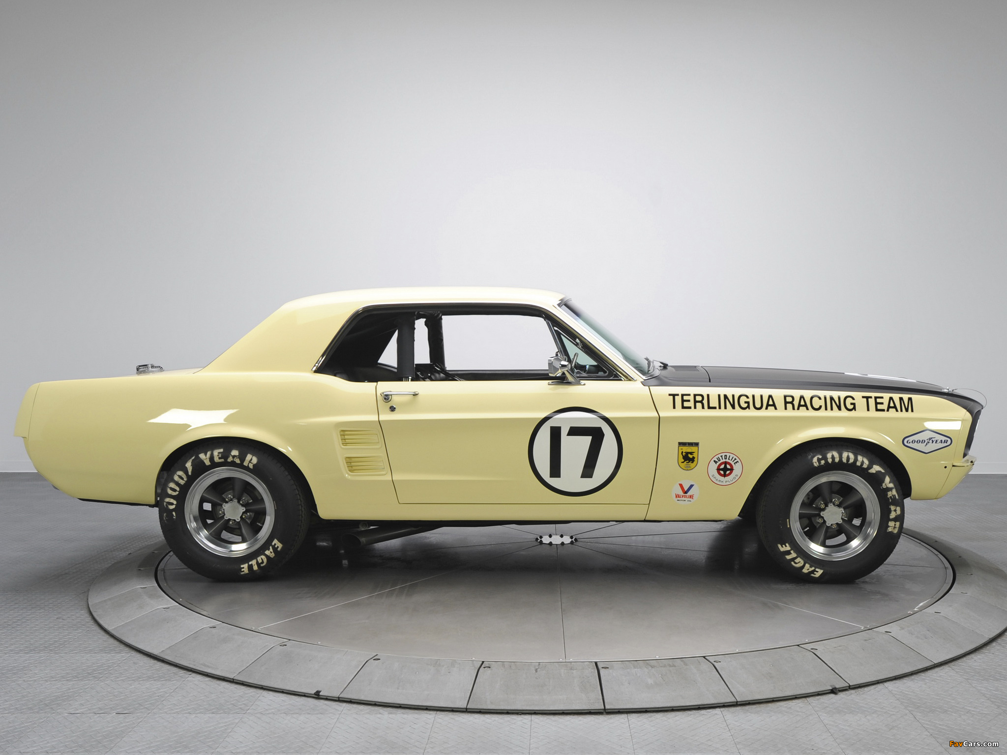 Mustang Coupe Race Car (65B) 1967 wallpapers (2048 x 1536)