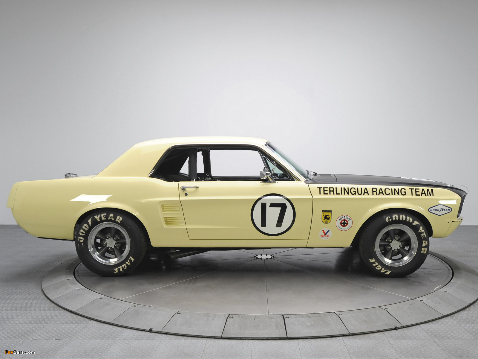 Mustang Coupe Race Car (65B) 1967 wallpapers (1600 x 1200)