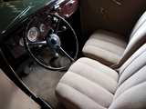 Ford V8 Standard Tudor Sedan (48-700) 1935 photos