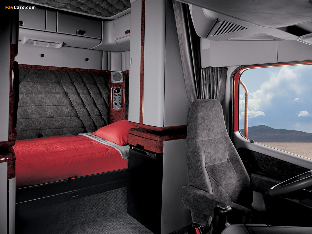 Photos of Freightliner Coronado Raised Roof 2002–09 (1024 x 768)