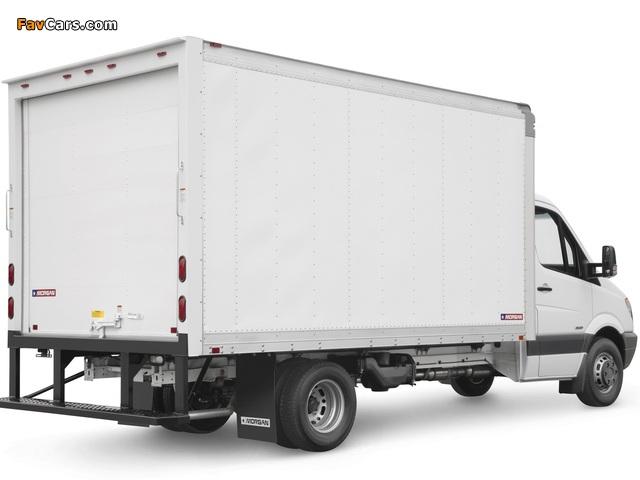 Freightliner Sprinter 3500 Box Van 2006 wallpapers (640 x 480)