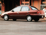 Geo Metro Sedan 1995–97 images