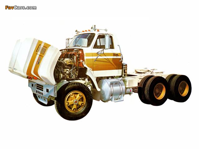 Photos of GMC 9500 1972 (640 x 480)