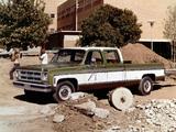 Photos of GMC 2500 Sierra Classic 3+3 Crew Cab 1976