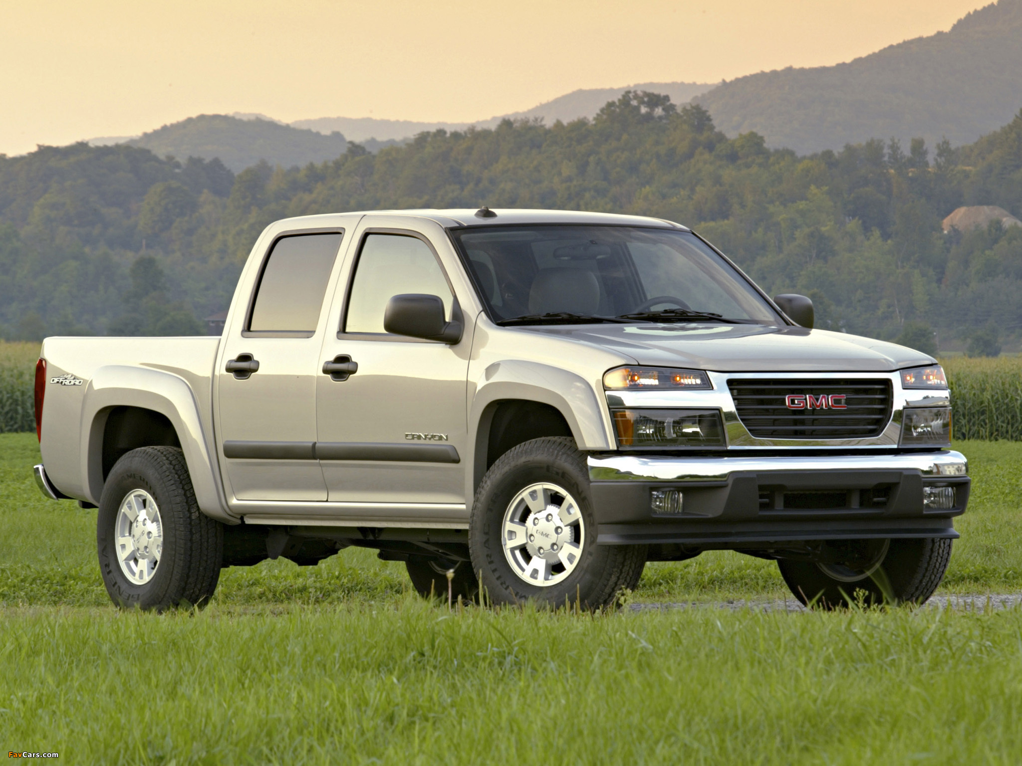 Gmc Canyon Crew Cab 2004 Pictures  2048x1536