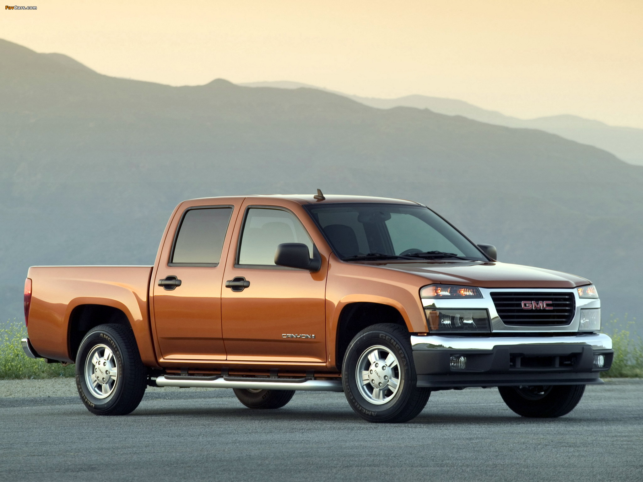 GMC Canyon Crew Cab 2003–12 wallpapers (2048 x 1536)