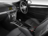 Holden Astra 3-door (AH) 2005–09 pictures