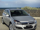 Photos of Holden Astra 5-door (AH) 2005–09