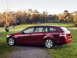Holden VE Calais Sportwagon 2008–10 images