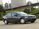 Holden VE Commodore Omega 2006–10 pictures