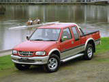 Images of Holden Rodeo LT Sport Space Cab 2000–03