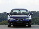 Photos of Honda Accord Sedan UK-spec (CL) 2003–06
