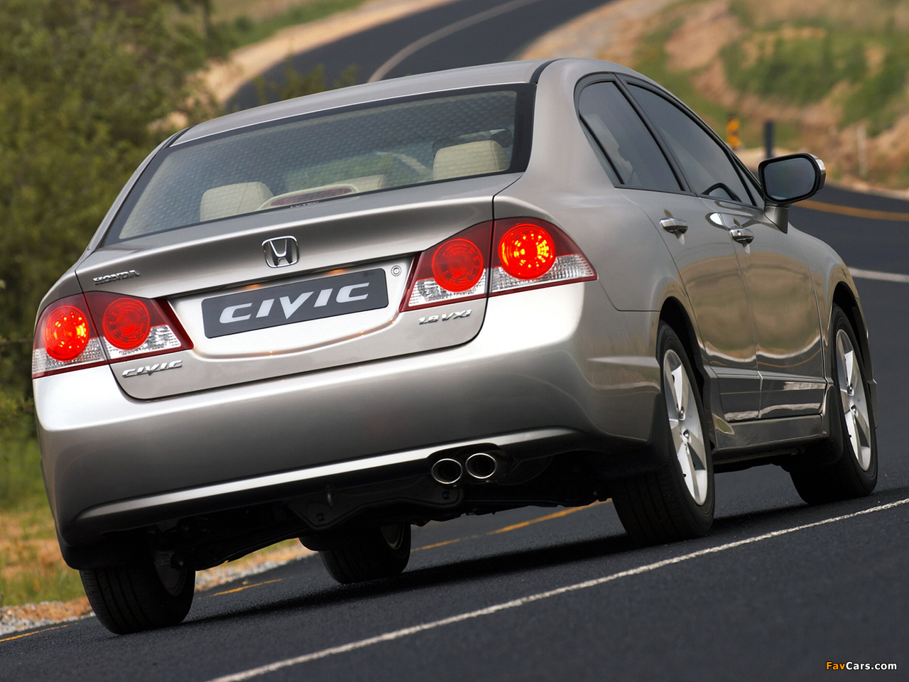 Images of Honda Civic Sedan ZA-spec (FD) 2006–08 (1280x960)