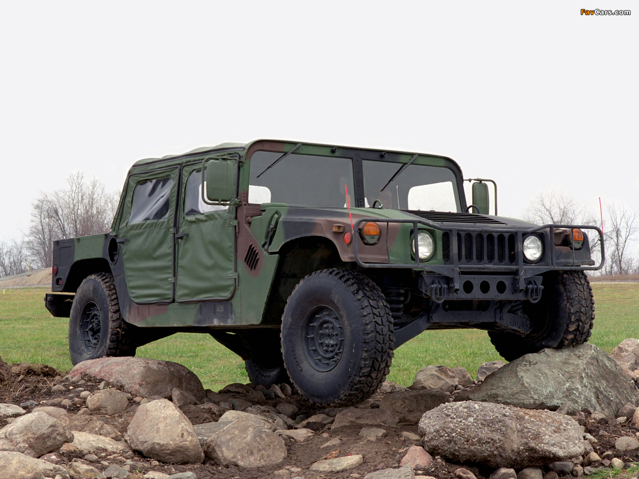 HMMWV M998 1984–89 pictures (1280 x 960)