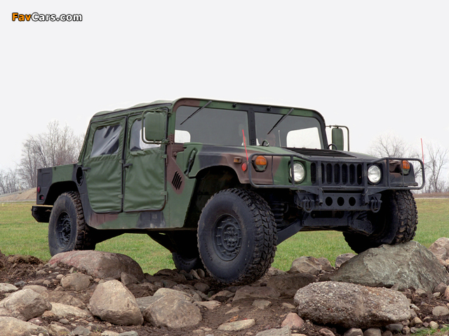 HMMWV M998 1984–89 pictures (640 x 480)