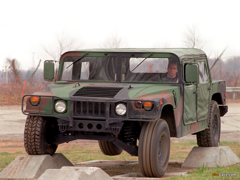 Pictures of HMMWV M998 1984–89 (1024 x 768)