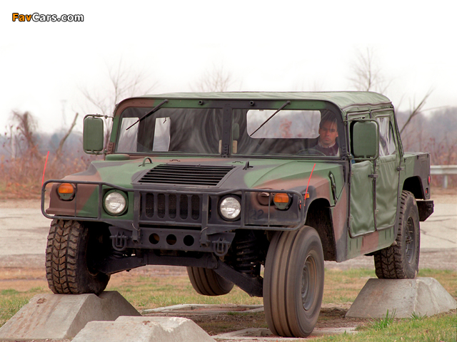 Pictures of HMMWV M998 1984–89 (640 x 480)