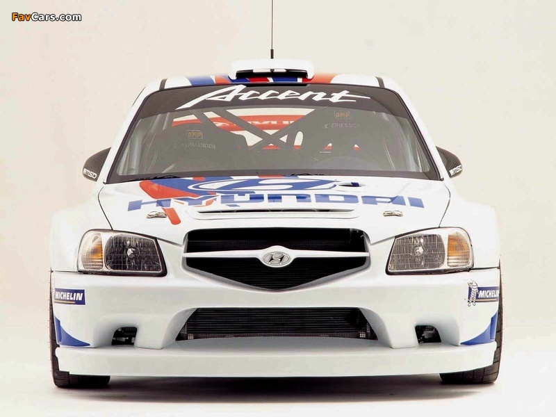 Images of Hyundai Accent WRC 2000–03 (800 x 600)