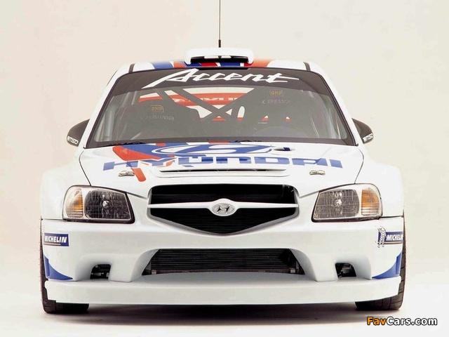 Images of Hyundai Accent WRC 2000–03 (640 x 480)