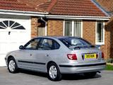 Hyundai Elantra Hatchback UK-spec (XD) 2003–06 photos