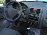 Hyundai Getz 3-door 2002–05 images