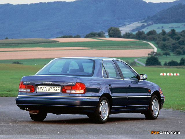 Hyundai Lantra (J1) 1993–95 photos (640 x 480)