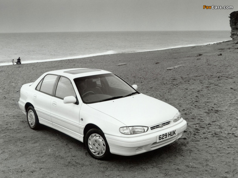 Photos of Hyundai Lantra UK-spec (J1) 1993–95 (800 x 600)