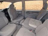 Hyundai Trajet UK-spec 2004–08 pictures