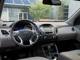 Hyundai Tucson US-spec 2010 images