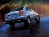 Photos of Hyundai Verna 2003–06