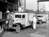 1934–37 International C-30 Refrigerator Truck images
