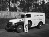 Pictures of International KB-3 Panel Truck 1947–49