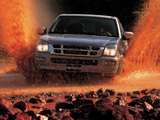 Isuzu D-Max Double Cab 2002–06 wallpapers