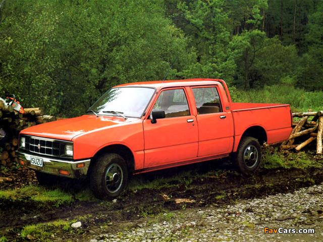 Photos of Isuzu Pickup Double Cab (KB) 1984–88 (640 x 480)