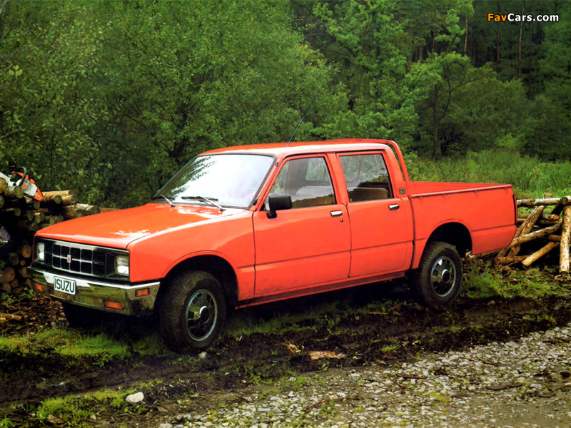Photos of Isuzu Pickup Double Cab (KB) 1984–88 (800 x 600)