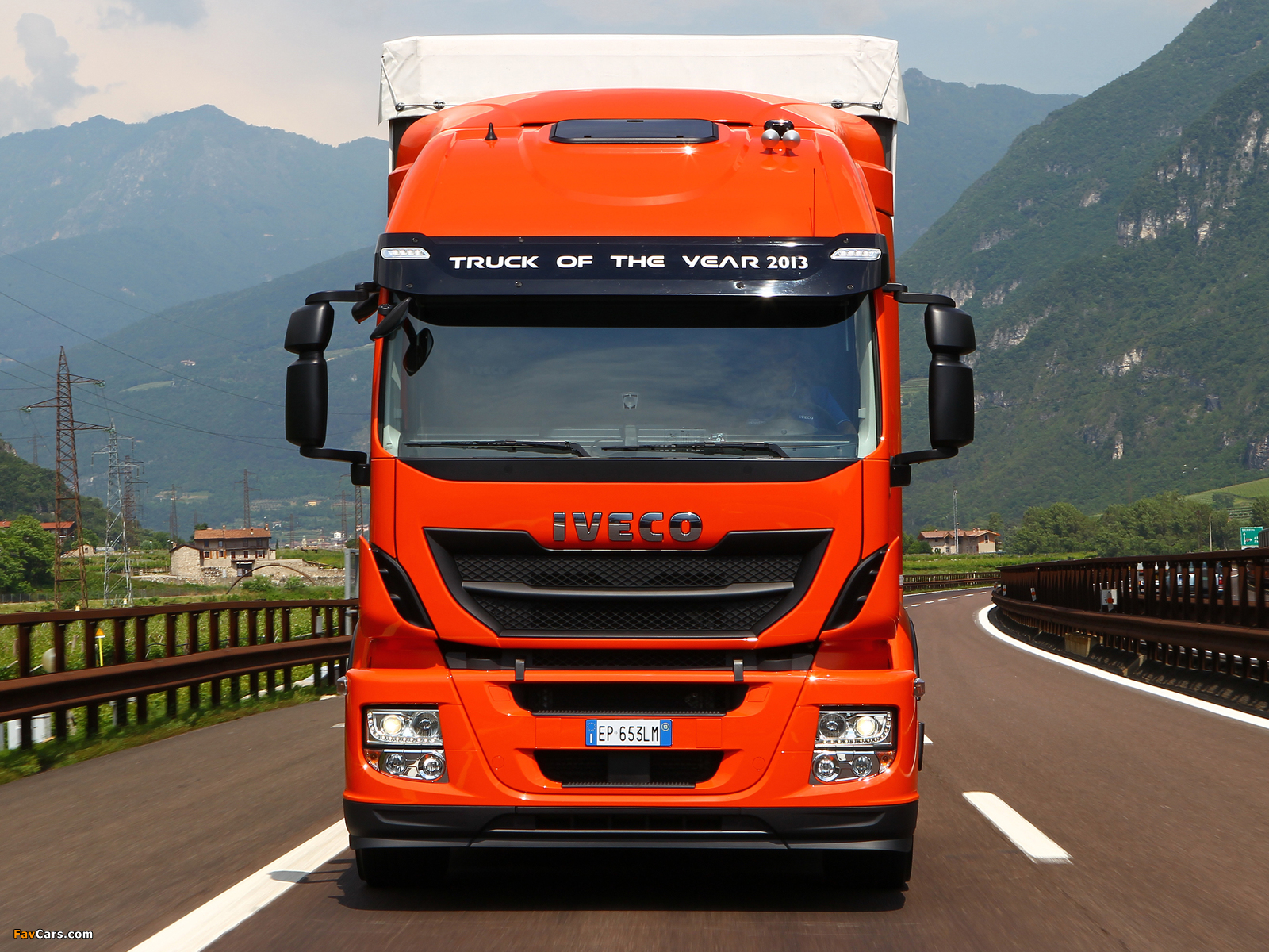 Pictures of Iveco Stralis Hi-Road 330 Natural Power 4x2 2012 (1600 x 1200)