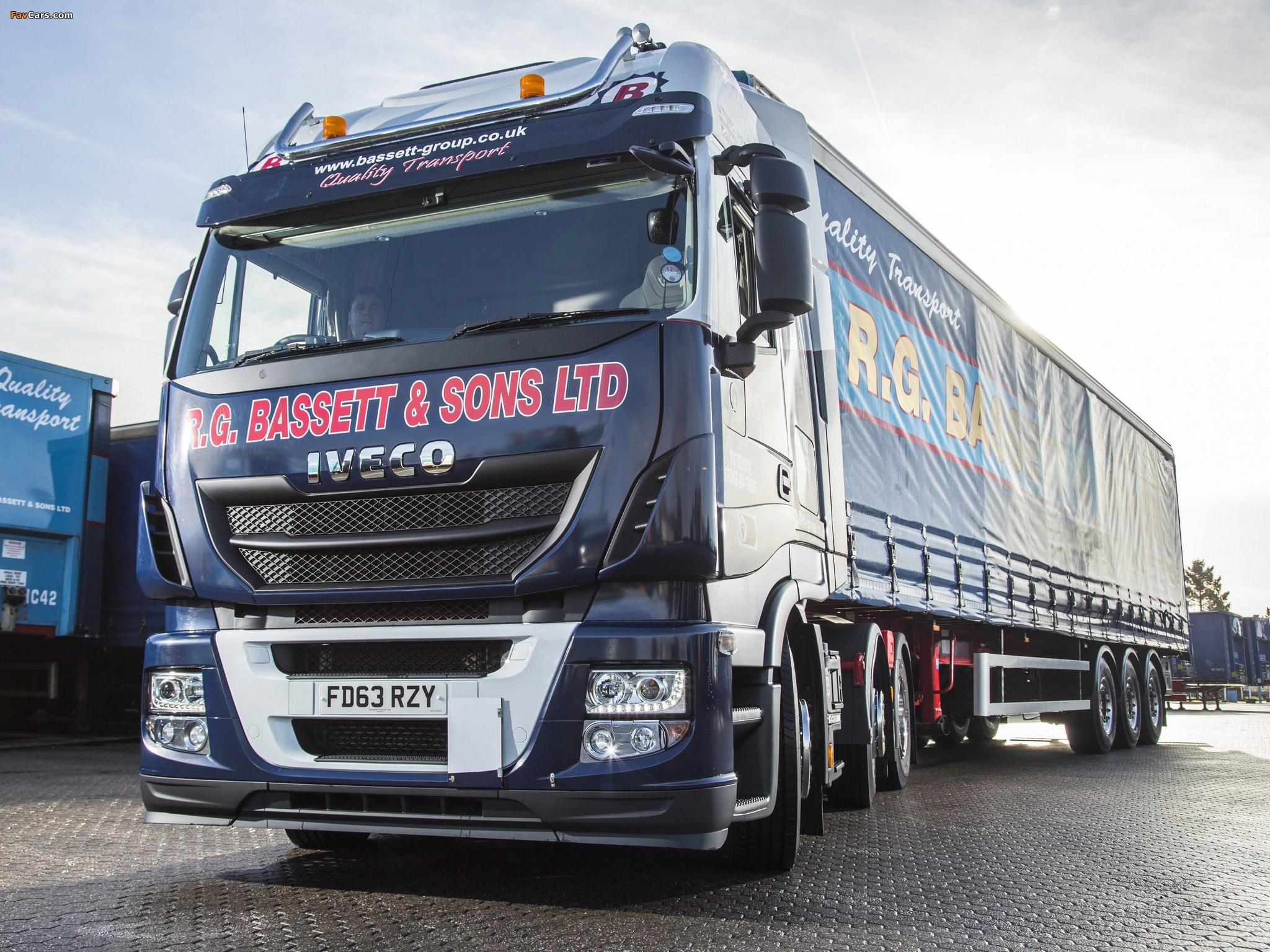 Iveco EcoStralis Hi-Road 460 6x2 UK-spec 2013 wallpapers (2048 x 1536)
