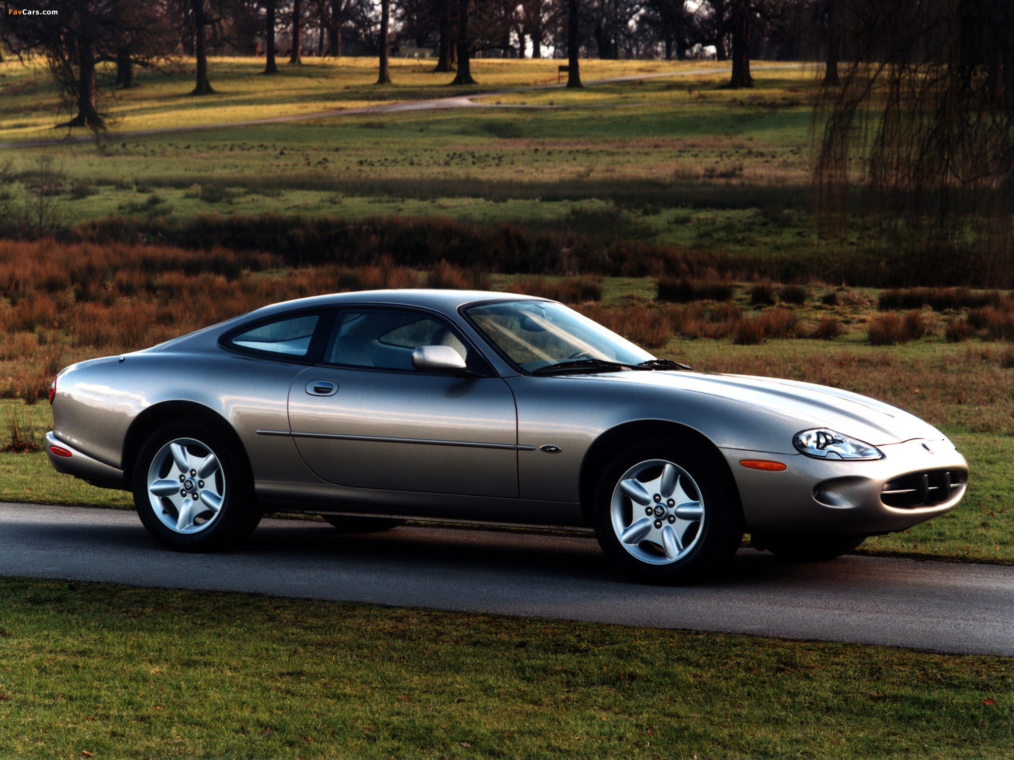 Jaguar xk8 coupe 1996 2002 photos 2048 x 1536