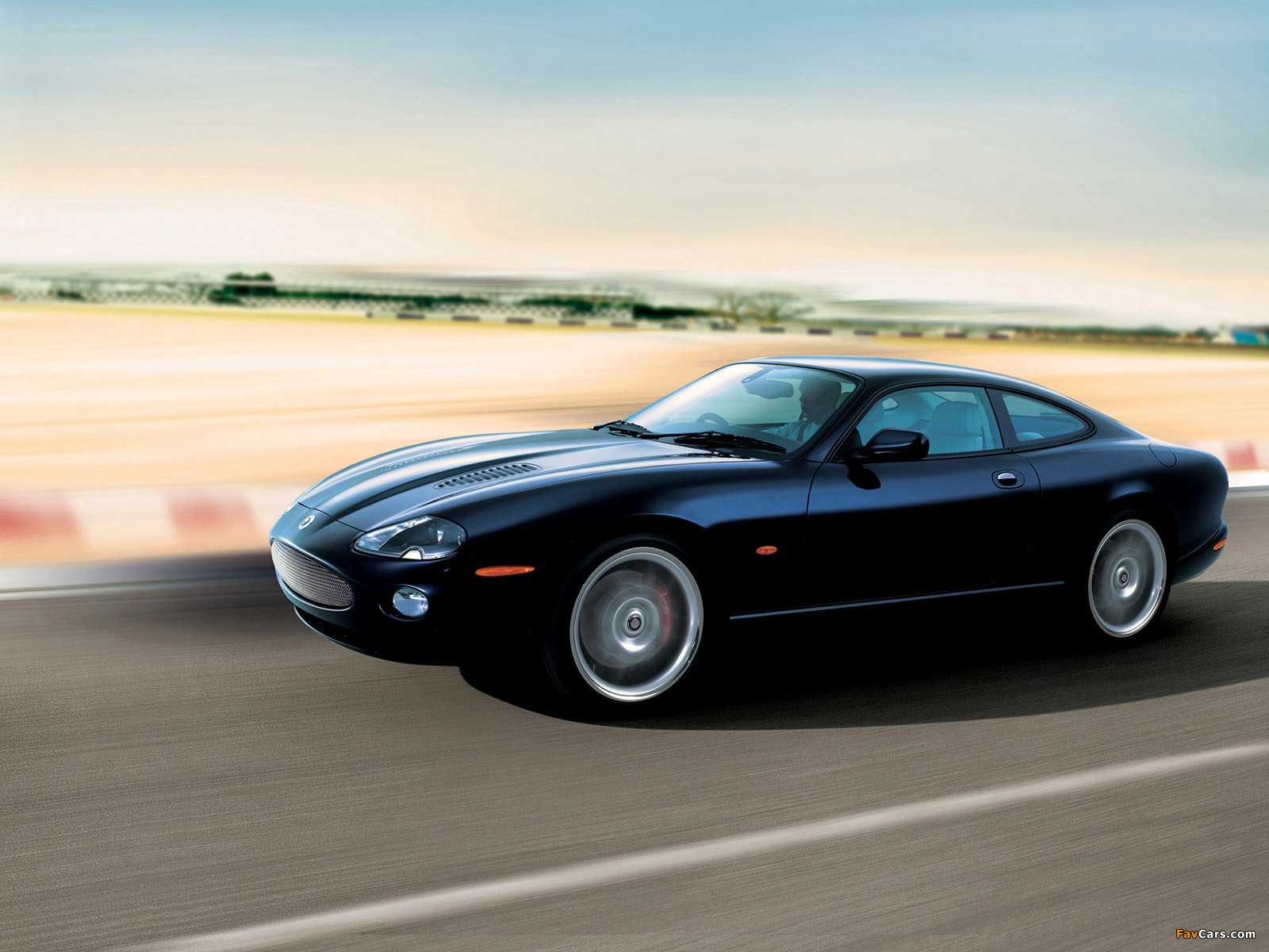 Jaguar Xkr Coupe 2004 06 Wallpapers 1600x1200