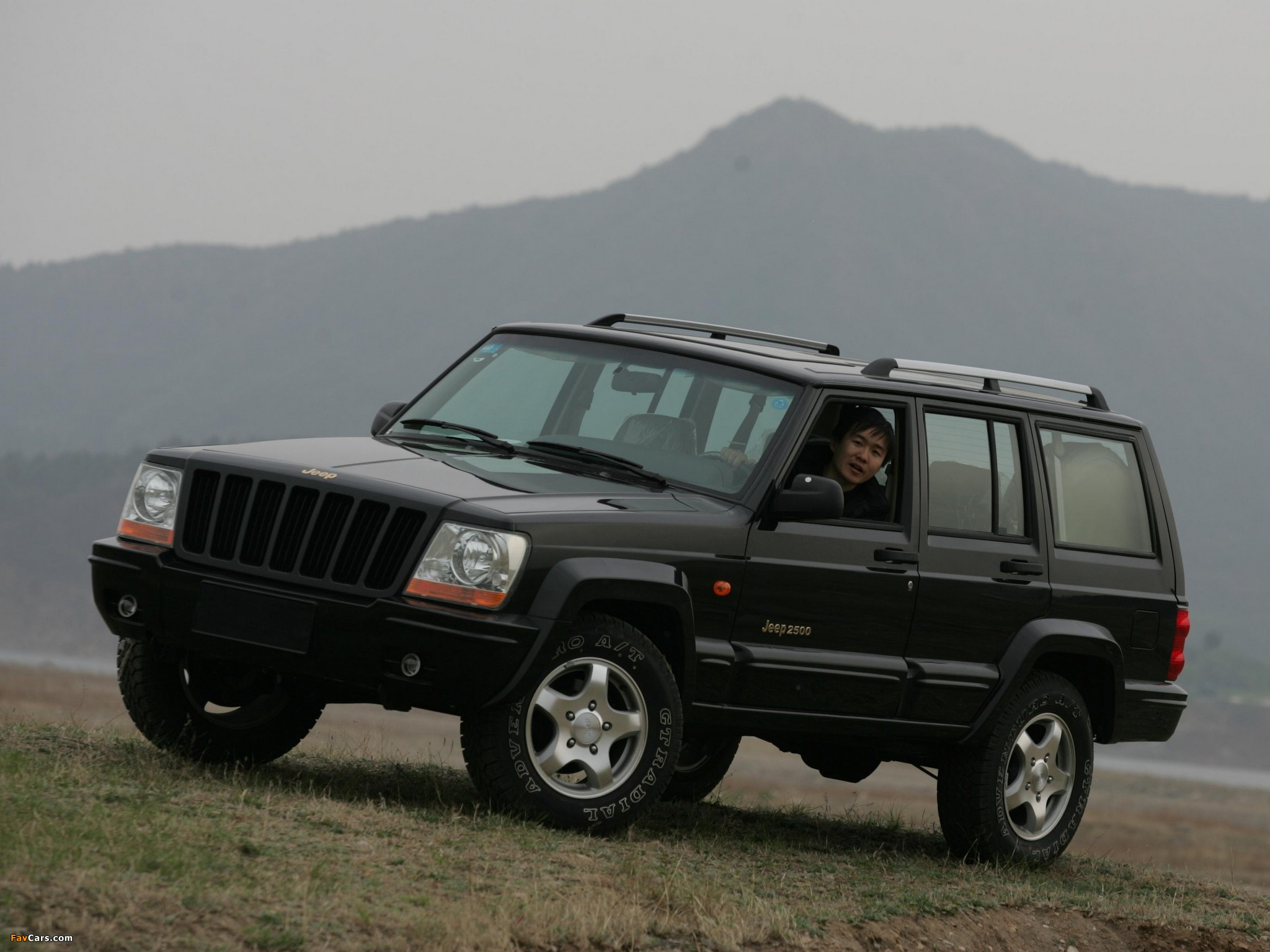 Jeep 2500 (BJ2021EB) 2003–05 pictures (2048 x 1536)