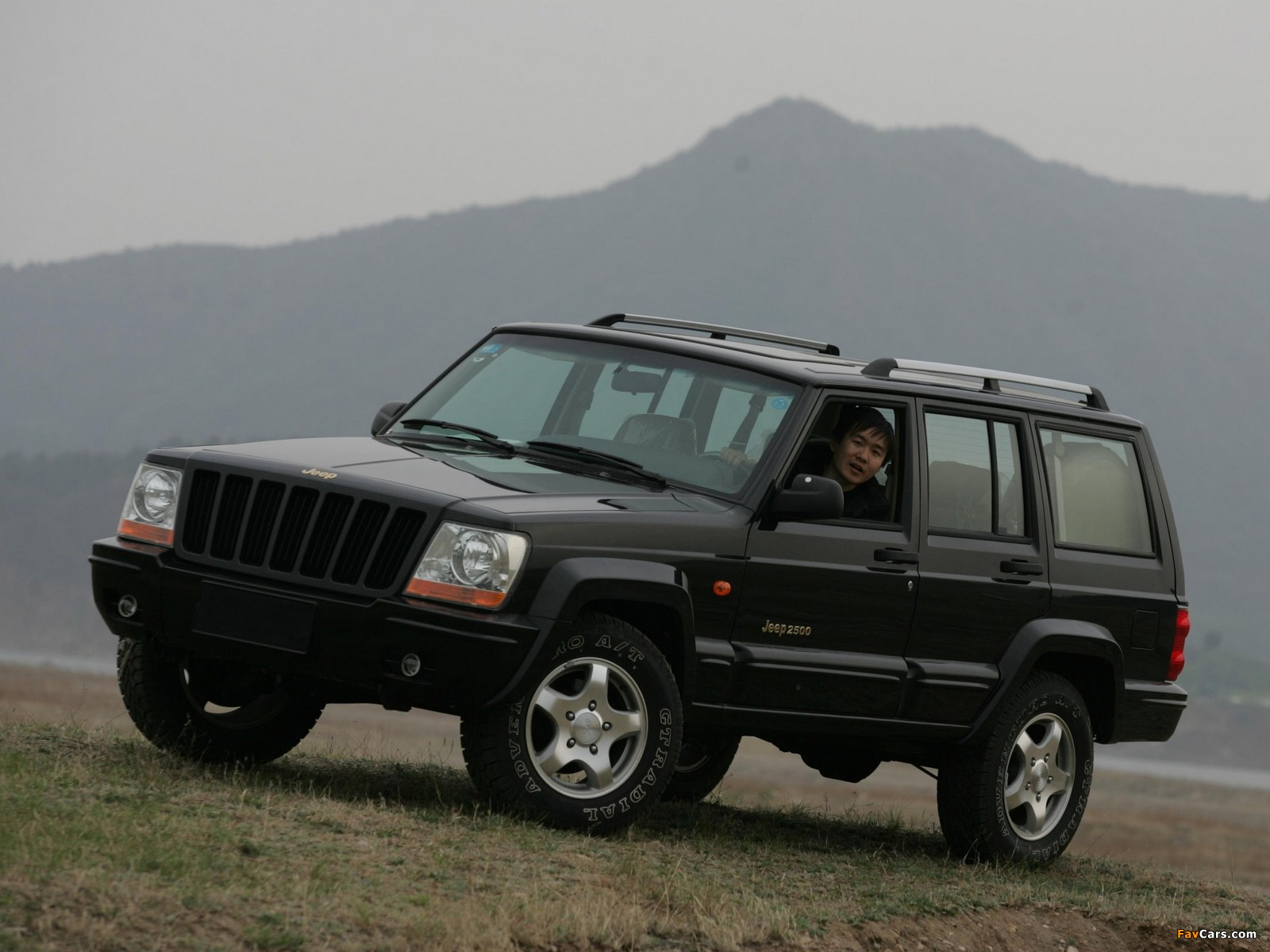 Jeep 2500 (BJ2021EB) 2003–05 pictures (1600 x 1200)