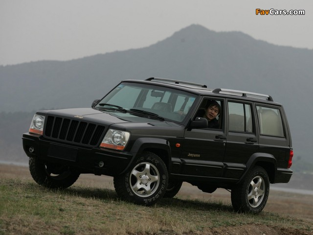 Jeep 2500 (BJ2021EB) 2003–05 pictures (640 x 480)