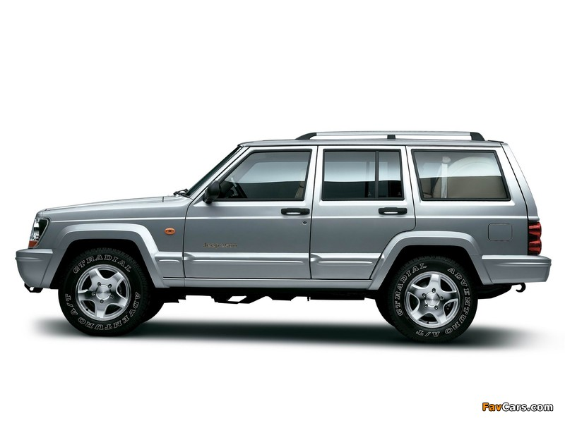 Photos of Jeep 2500 (BJ2021EB) 2003–05 (800 x 600)