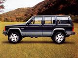 Jeep Cherokee Laredo (XJ) 1993–96 photos