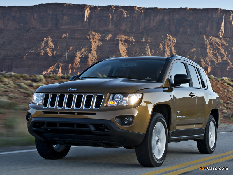 Jeep Compass 70th Anniversary 2011 wallpapers (800 x 600)