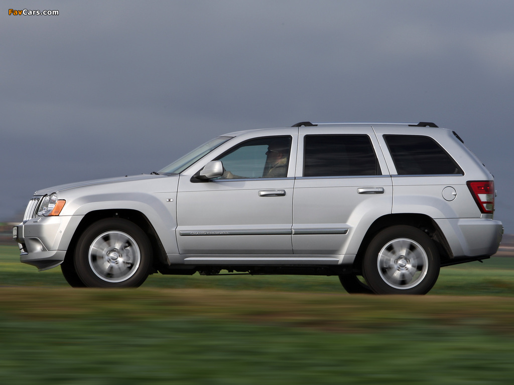 Images of Jeep Grand Cherokee CRD Overland (WK) 2008–10 (1024x768)