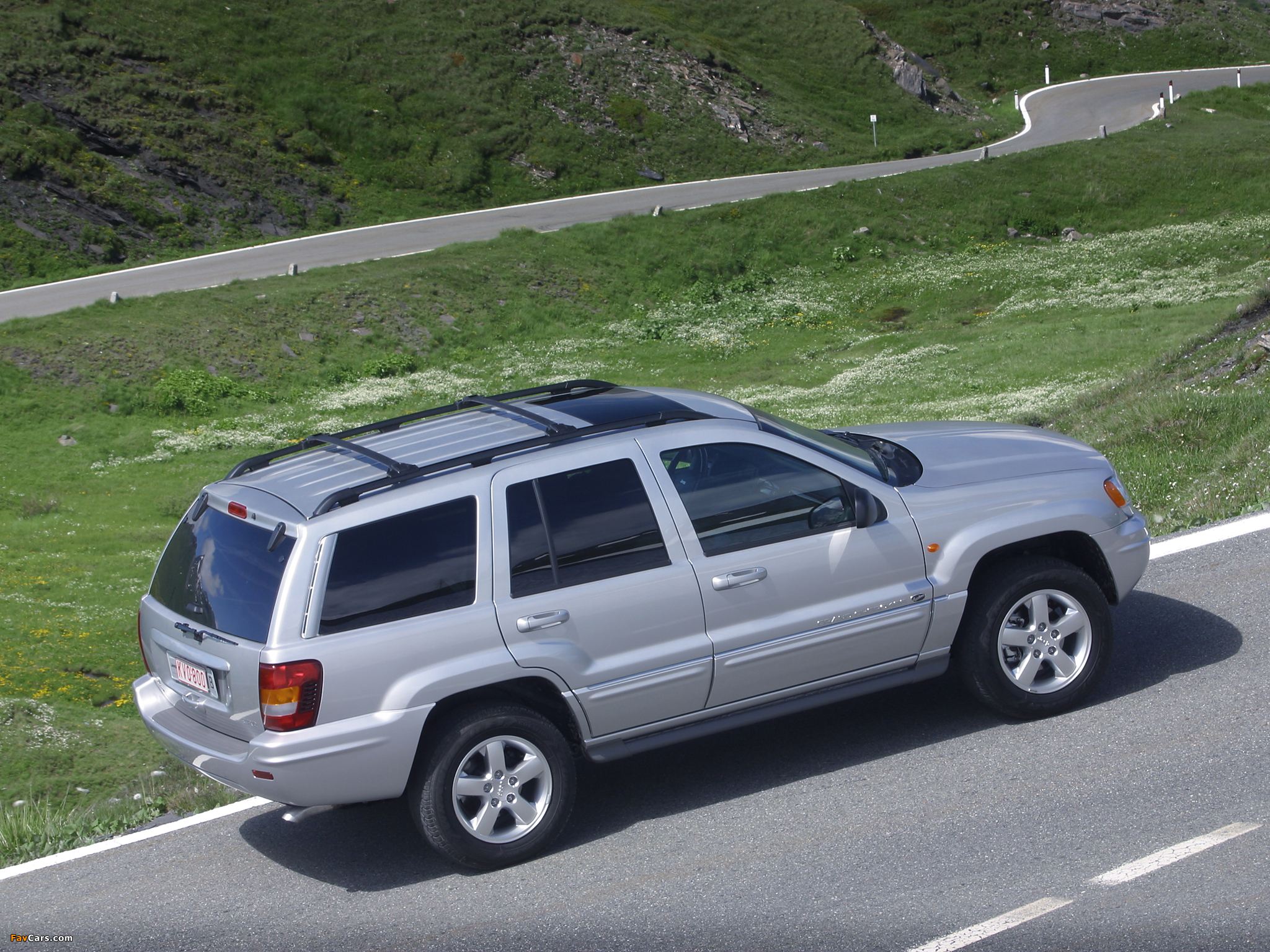 jeep grand cherokee overland wj 2002 04 wallpapers 2048x1536. Black Bedroom Furniture Sets. Home Design Ideas
