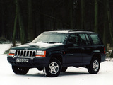 Photos of Jeep Grand Cherokee Laredo UK-spec (ZJ) 1996–98