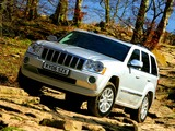 Photos of Jeep Grand Cherokee CRD Limited UK-spec (WK) 2005–07